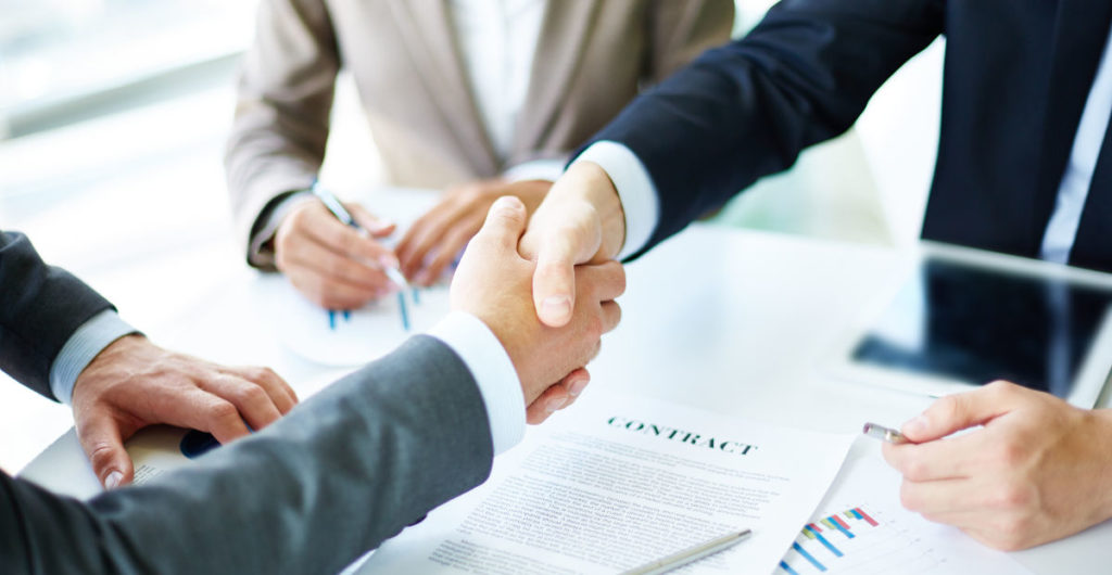 37% dintre firmele din piata romaneasca si-au redus activitatea si 23% au inchis